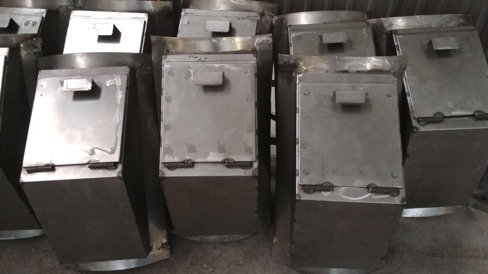 Дверки мусоропроводов